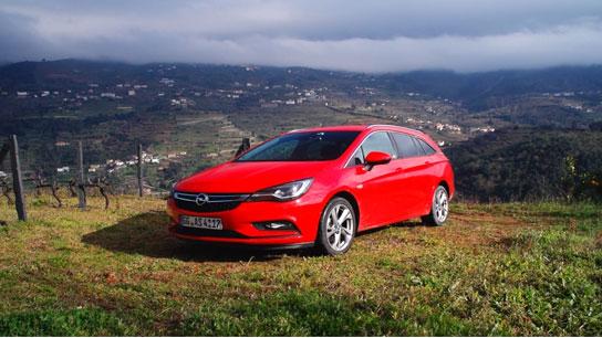 Opel_Astra_Sportstourer